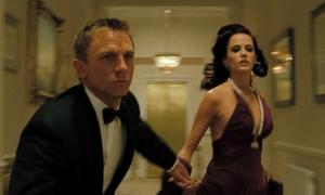 Cảnh truy đuổi khó rời mắt trong '007: Casino Royale'