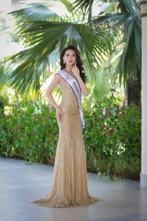 Top 70 Hoa hậu Biển Việt Nam nóng bỏng với bikini - 3 Thí sinh Kim Ngọc có chiều cao khủng 1m78. Cô hứa hẹn có màn trình diễn ấn tượng để giành một suất vào đêm chung kết.