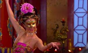 Những điệu múa gây 'nhức mắt' của mỹ nhân trong phim cổ trang