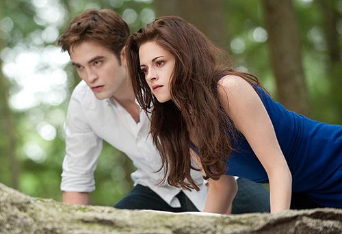 Nàng Bella dù đã hóa ma cà rồng nhưng yêu đương vẫn sến.