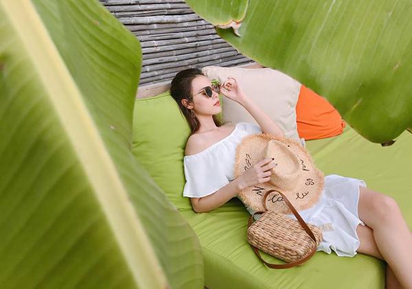 Midu sang chảnh trong chuyến nghỉ dưỡng mùa hè ở Côn Đảo.