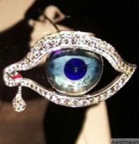 Món trang sức tinh xảo của Salvador Dali, có giá 135.000 USD.
