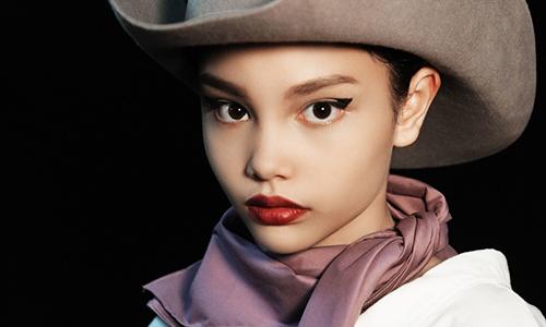 'Bông hồng lai' Việt mới 10 tuổi đã có thần thái siêu mẫu