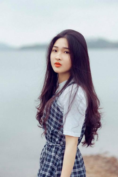 Hot girl tráng bánh xứ Nghệ bỗng nổi tiếng như cồn vì xinh đẹp - 1