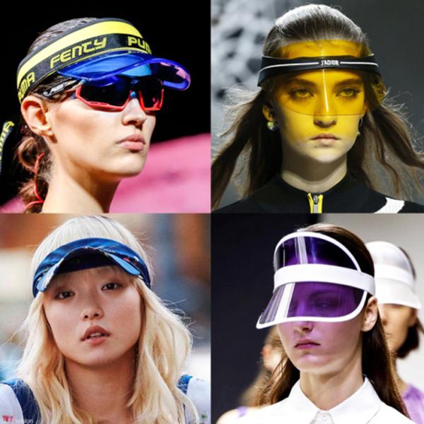 Không hẹn mà gặp, hàng loạt nhà mốt đồng loạt đưa mũ lưỡi trai chống nắng lên sàn diễn thời gian gần đây. Chiếc mũ có tên visor hat này giờ không chỉ đơn thuần là một item để che chắn cho gương mặt, mà còn trở thành món phụ kiện cao cấp đầy sang chảnh.