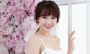 Hari Won gợi cảm với váy áo trễ nải