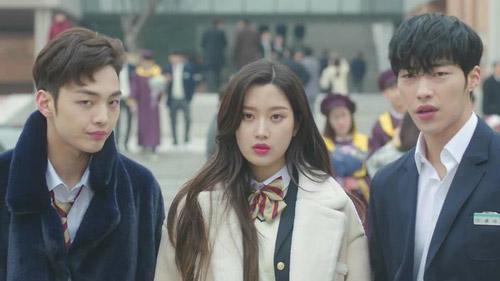 Top drama bị thần tượng Kpop dìm chết