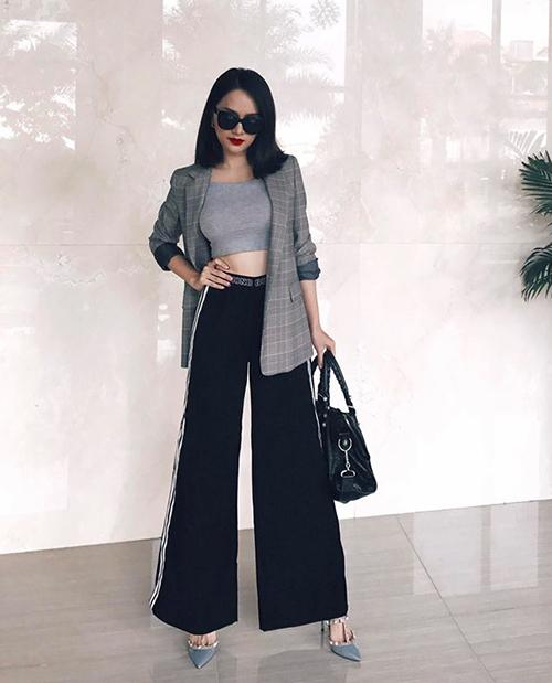 Khi Hương Giang diện quần ống loe, không ai còn nhận ra thân hình siêu mảnh dẻ của cô nàng.