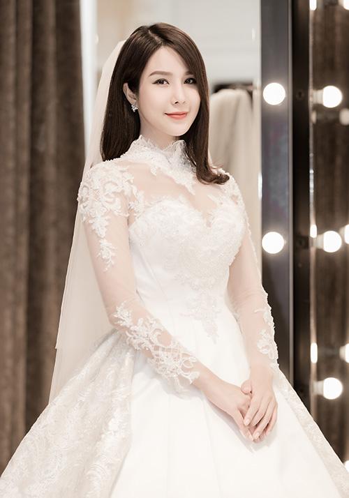 Chiếc váy 120 triệu đồng Diệp Lâm Anh sẽ mặc trong lễ cưới - 1