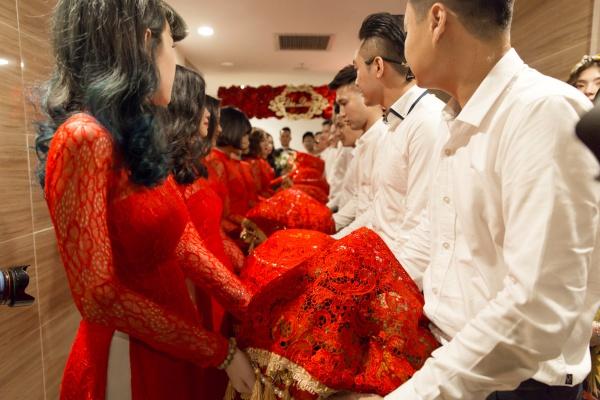 Sự xuất hiện của đội hình này khiến buổi lễ rước dâu của Diệp Lâm Anh - Đức Phạm diễn ra thêm phần trang trọng.