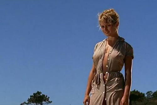 Khoảnh khắc không cần cởi đồ vẫn gợi cảm của Brigitte Bardot - 1