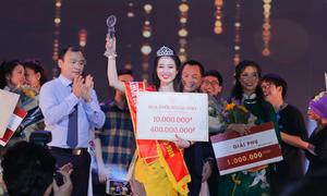 Lê Ngọc Thùy Dương đăng quang Hoa khôi Học viện Ngoại giao 2018