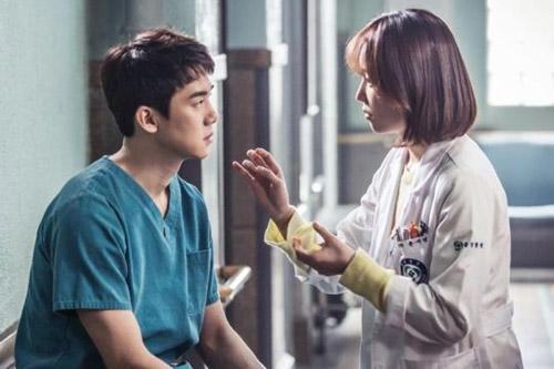 7 cặp đôi bùng cháy tình cảm nhanh nhất trên màn ảnh Hàn - 5
