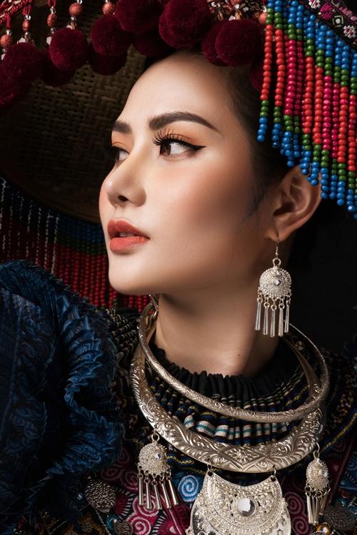 Diệu Linh muốn thể hiện tình yêu thương của mình dành cho các dân tộc Việt qua bộ trang phục. Tôi trân trọng mọi loại trang phục của tất cả các dân tộc anh em sinh sống trên đất nước Việt Nam. Bước ra thế giới, Diệu Linh nghĩ ngoài bộ áo dài truyền thống, Việt Nam còn rất nhiều màu sắc văn hóa rực rỡ khác để giới thiệu, cô nói.