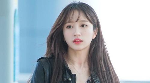 Trước khi nổi tiếng cùng fancam triệu view, sự nghiệp của Hani suýt đi đến ngõ cụt vì mãi không thành công. JYP tiếc hùi hụi vì lỡ loại cô nàng trong đợt thử giọng.