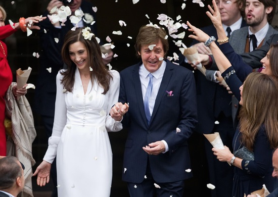 Nancy Shevell là một triệu phú từ New York, cô là người vợ thứ 3 của Paul McCartney. Nancy và Paul kết hôn vào năm 2011.