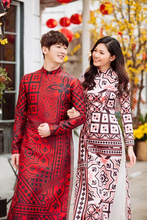 Á hậu Thanh Tú e ấp bên trai Hàn đón Tết - 2