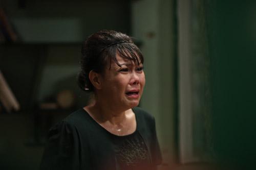 Việt Hương hóa thân thành bà mẹ khắc nghiệt ngăn cấm tình yêu của con gái - 1