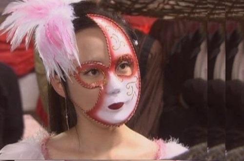 Những đạo cụ khó đỡ nhất trong phim Hoa ngữ khiến diễn viên xấu xí bội phần - 5