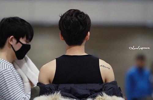 10 thần tượng Kpop có hình xăm bí mật khiến fan tò mò - 7