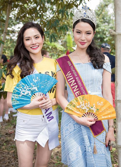 Hôm nay, Diệu Linh và các thí sinh Miss Tourism Queen International 2018 sẽ lên đường trở về Bangkok (Thái Lan) và bắt đầu tập luyện chuẩn bị cho các phần thi quan trọng và đêm chung kết diễn ra vào ngày 16/5 sắp tới.