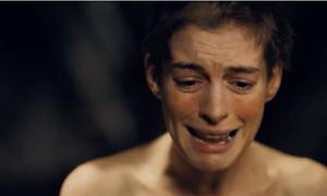 Cảnh phim 'tàn phá' nhan sắc Anne Hathaway