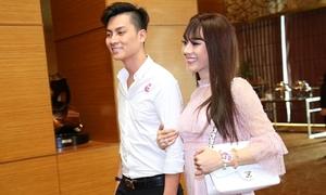 Lâm Khánh Chi được chồng hộ tống dự sự kiện