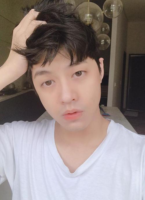 Noo Phước Thịnh có đôi mắt một mí và làn da căng bóng cực giống sao Hàn.
