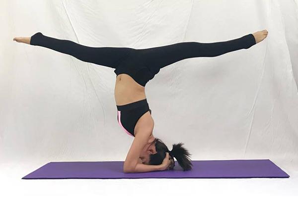 Ái Phương nhanh chóng thành bậc thầy yoga dù chỉ tập luyện thời gian ngắn.