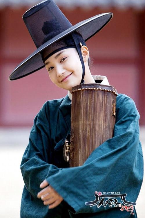 Những cô nàng giả trai vẫn xinh đẹp trong drama Hàn - 5