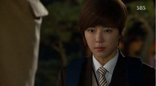 Những cô nàng giả trai vẫn xinh đẹp trong drama Hàn - 4