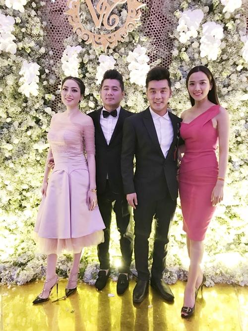 Vợ chồng ca sĩ Ưng Hoàng Phúc.