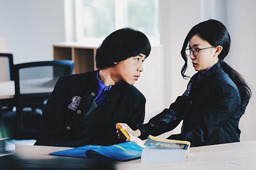 Wean Lê cùng nữ chính Hạ Anh.