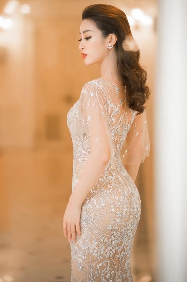 <p> Hoa hậu hiếm khi đăng ảnh áo tắm sau khi đăng quang Hoa hậu Việt Nam 2016. Khi dự thi, Mỹ Linh cao 1,71m, nặng 52 kg, sở hữu số đo ba vòng 87-61-94.</p>