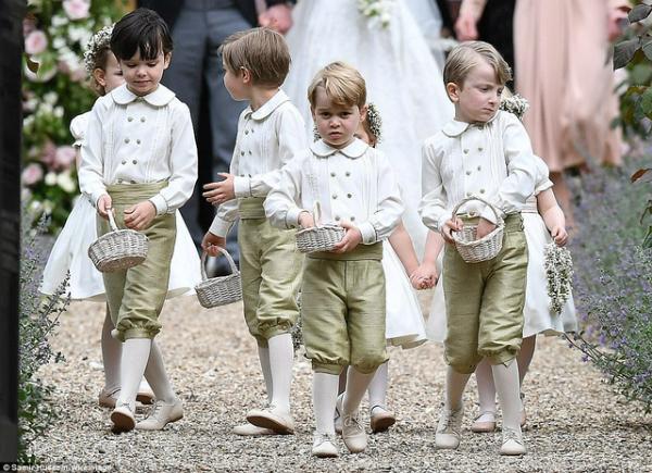 Hoàng tử George làm phù rể trong đám cưới dì Pippa.