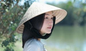 Nhan sắc gây thương nhớ của 'nàng thơ xứ Huế'