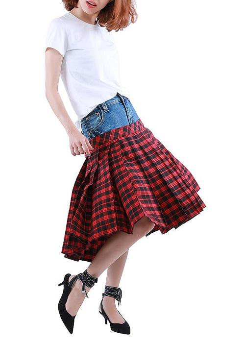 Chỉ sau ít ngày lên kệ, chiếc chân váy này đã được khá nhiều người tìm mua và chỉ còn lại số lượng rất ít. Nhiều bạn trẻ muốn thử nghiệm xì tai phá cách giống Chi Pu.