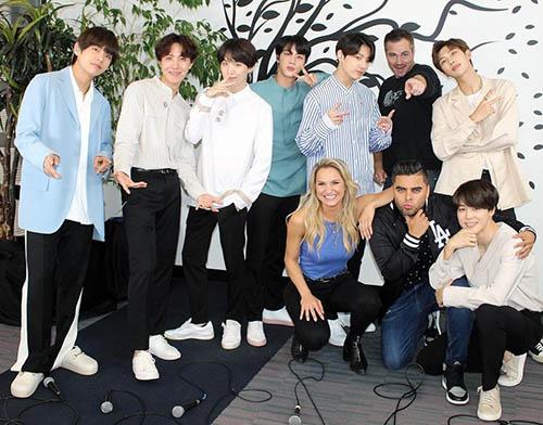 BTS đang tham dự những sự kiện quảng bá ở Mỹ cho ca khúc Fake Love.
