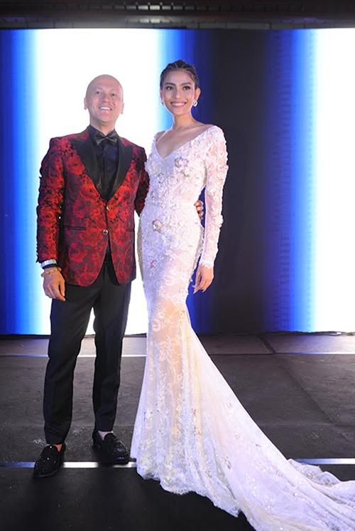 Á hậu có dịp diện kiến nhiều NTK nổi tiếng như Patrick Phạm, Alexandre... Cô trò chuyện về thời trang và thị trường ở Việt Nam.