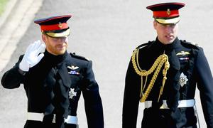 Fan xuýt xoa trước vẻ ngoài điển trai của Hoàng tử Harry