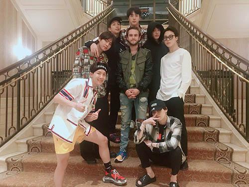 Nhiều fan mong thấy BTS và Zedd hợp tác khi thấy họ chụp ảnh chung.