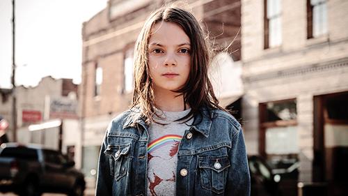 Cô bé 12 tuổi gây ấn tượng trong Logan.