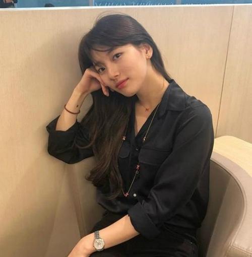 Suzy vì một số người đề nghị xử phạt vì ủng hộ nữ quyền.