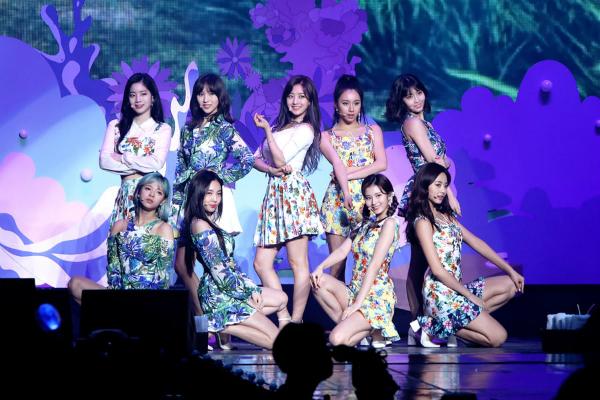 Na Yeon vướng tranh cãi vì hạ thấp các cô gái khác.