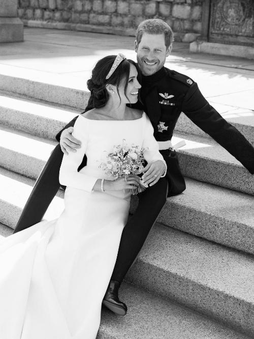 Hình ảnh hạnh phúc của cô dâu chú rể.