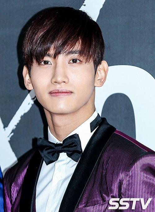 Có thể nói, Chang Min là thành viên không ăn ảnh nhất DBSK bởi ngoài đời,  anh chàng trông nam thần và hấp dẫn hơn rất nhiều. Nhiều fan gặp trực  tiếp Chang Min đều cho biết họ bị sốc trước vẻ đẹp của ngôi sao nhà  SM.