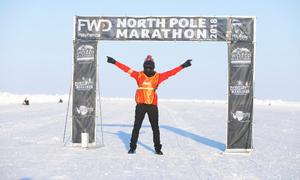 Vận động viên nữ Việt Nam òa khóc khi chinh phục Marathon Bắc Cực