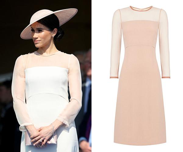Nhiều người bất ngờ khi biết chiếc váy mà Meghan chọn mặc lại là một sản phẩm giảm giá. Thiết kế được bán trên trang Matchesfashion với giá gốc là 643 USD, tuy nhiên được giảm còn 450 USD (hơn 10 triệu đồng). Nhờ việc được lăng xê bởi biểu tượng thời trang mới của Hoàng gia Anh, chiếc váy nhanh chóng hết sạch trong một nốt nhạc. Cũng nhờ điều này nên Meghan Markle đang được xem là một nữ thần may mắn mới của các hãng thời trang. Cô có khả năng mặc gì là giúp món đó cháy hàng lập tức.