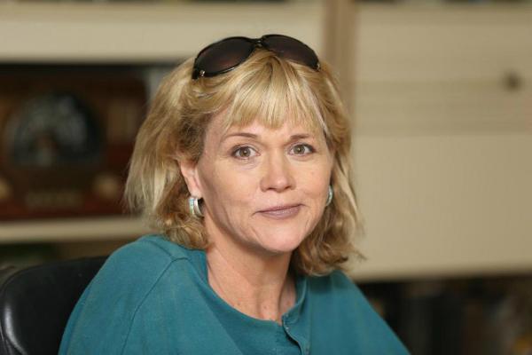 Bà Samantha Markle.
