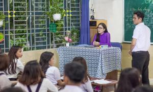 Thùy Chi vào vai cô giáo trong MV mới